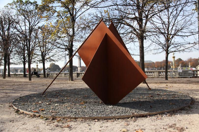 ミルチャ・カントルの日本初個展「あなたの存在に対する形容詞」が銀座メゾンエルメス フォーラムで開催