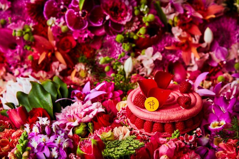 世界的なフラワーアーティストの東信と再びのコラボレーションで、美しい花々で鮮やかに表現された「イスパハン(Ispahan)」の世界観が一新