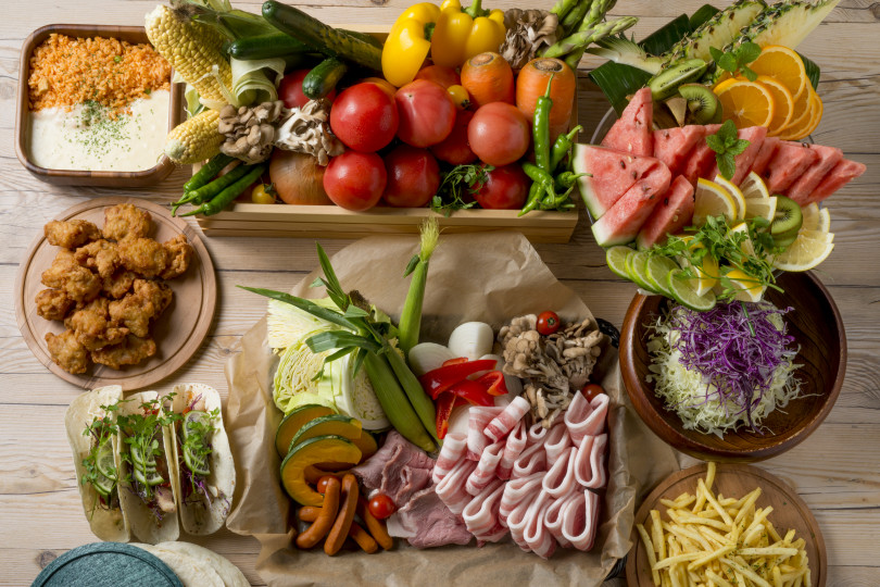 野菜いっぱいの「ファーマーズ ビアガーデン」 が今年も横浜髙島屋の屋上に登場。