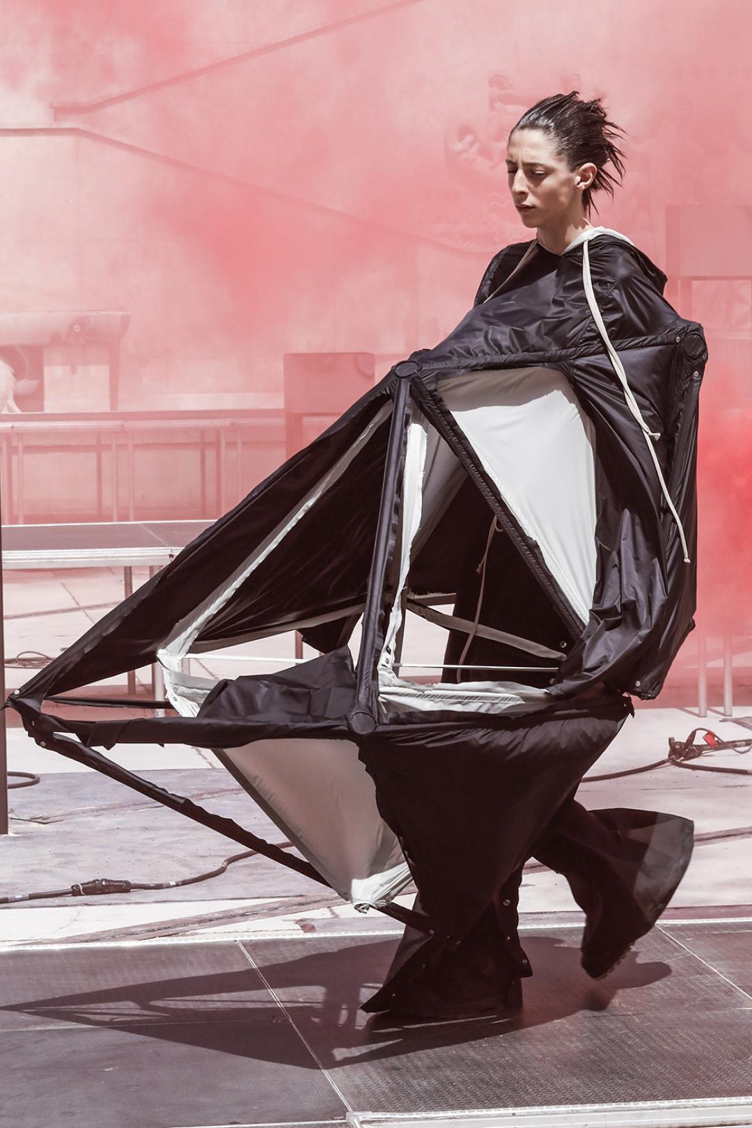 リック・オウエンス2019年春夏メンズコレクション
