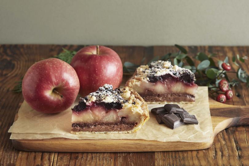 「チョコレートとチェリーのホリデーアップルパイ」発売