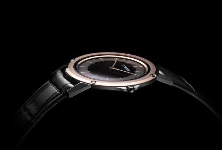技術の粋を腕に巻け!世界最薄腕時計に革バンドモデルが追加