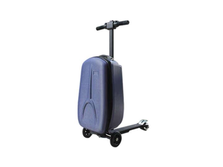 子どもの頃の夢が叶う!?「乗れるスーツケース」で移動がラクラク!