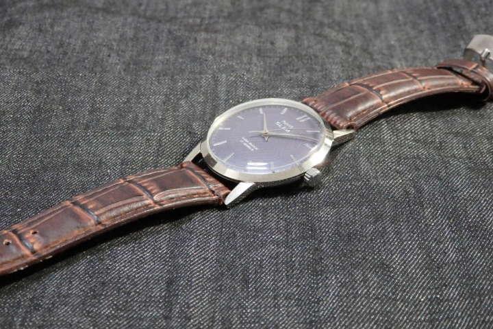 インド人もビックリ!アンダー2000円で入手したチプメカ手巻き腕時計