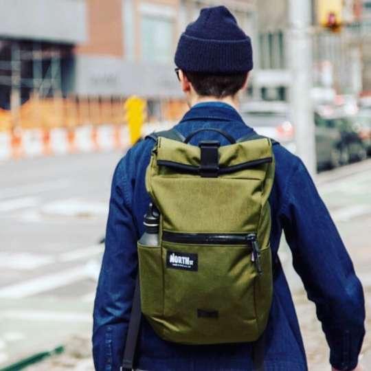 カジュアルにも使えるけど、実は高機能を秘めたポートランド製バッグ