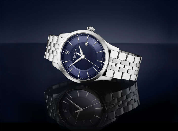 いつの時代、どんな人にも愛される、端正なデザインのスイス製時計