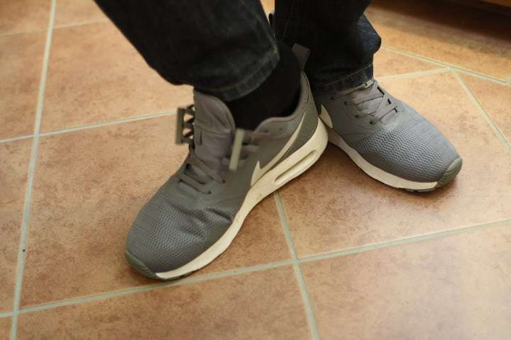 靴紐って結ぶのが面倒!を解決する便利アイテム6選
