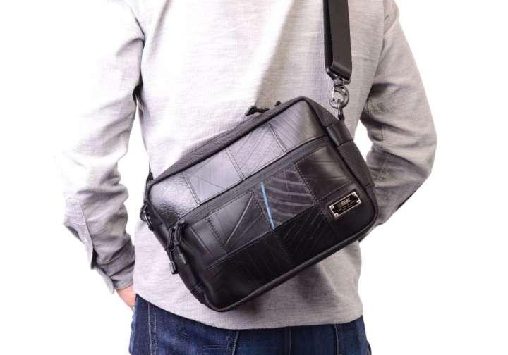 ふたつと同じ柄がないこのバッグ、素材がちょっと特殊なんです