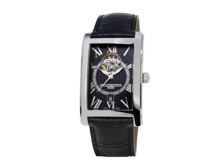 夏の男の手元を彩るブレスレットスタイルの腕時計