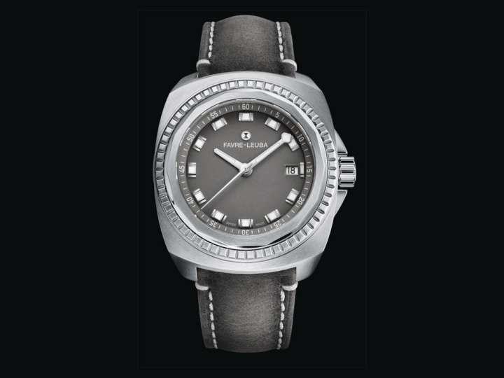 レトロな見た目に3世紀分の歴史がたっぷり詰まったスイス時計