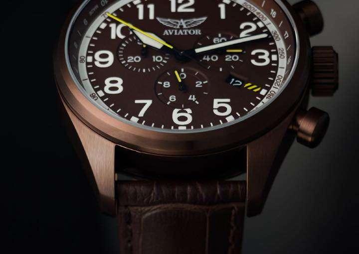 往年の名戦闘機「エアラコブラ」の名を冠したロシア生まれのスイス時計