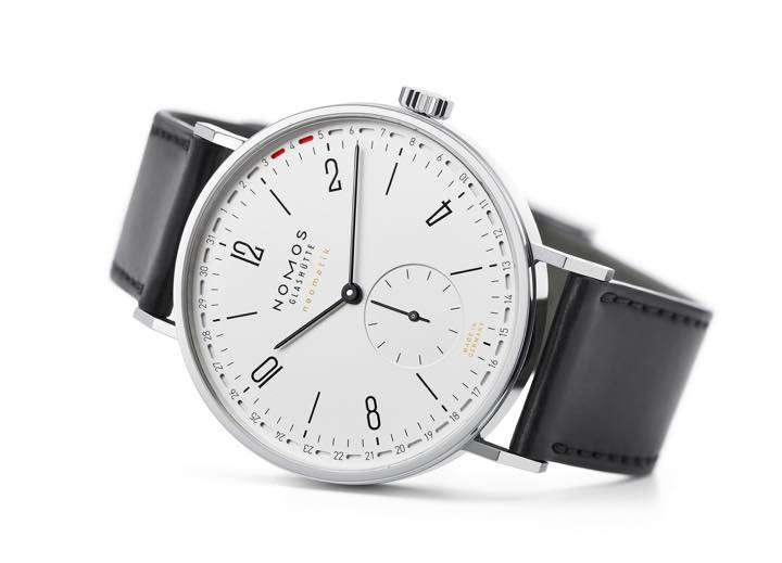 シンプルさが魅力の時計が行き着いた、シンプルな日付表示とは