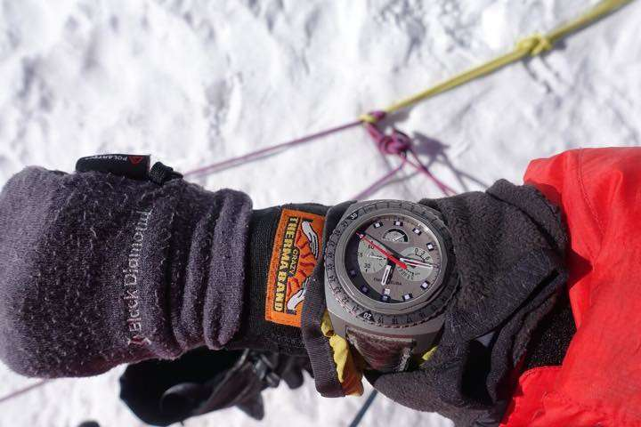 まさに世界最高峰!エベレスト頂上で高度を測れる機械式腕時計