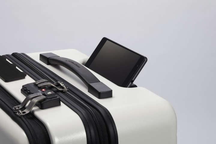 IoTから分離式まで!最新アイデアスーツケース6選