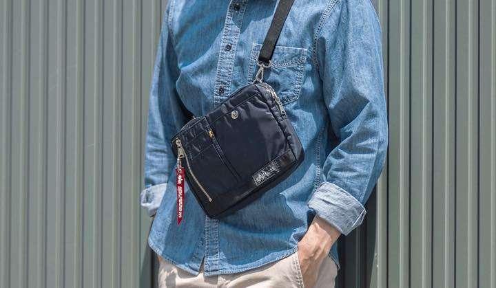 このバッグ、これだけで持ってもカバンに入れてもちょうどいい