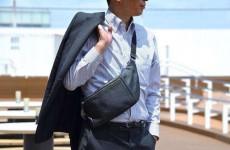 スーツに合う薄型バッグなら憧れの手ぶら出勤も夢じゃない?