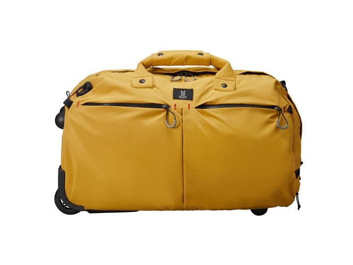 このバッグ、タフ×防水だから旅の相棒に最適なんです!