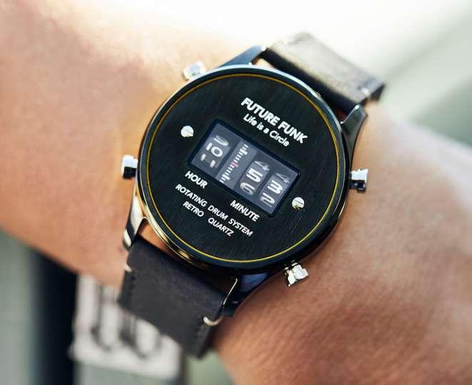 懐かしのローラー式腕時計が現代の技術を得て復刻