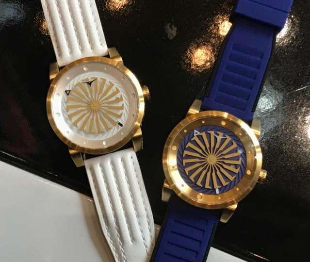まるでライダーベルトのような腕時計「ZINVO」が個性的!
