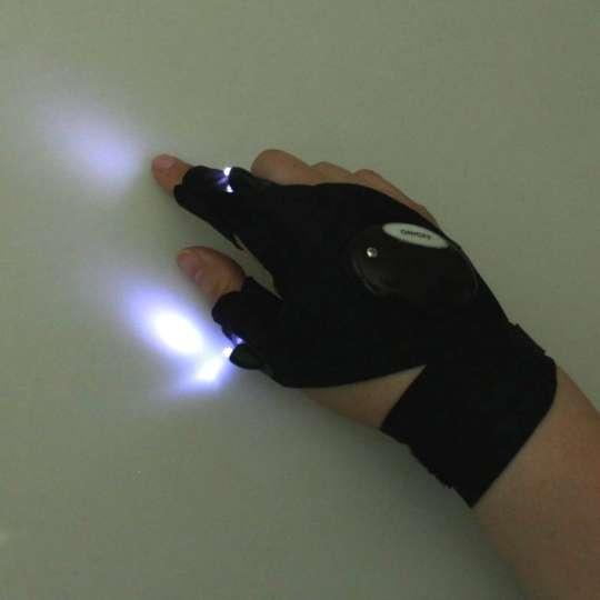 この手があったか!LED付きグローブは暗所や夜間作業の強い味方です