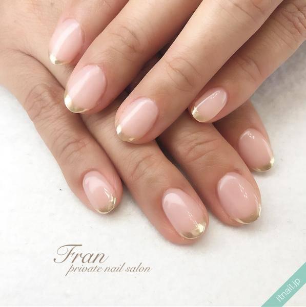 色っぽ可愛い指先は「ピンク×ゴールド」のネイルで叶える