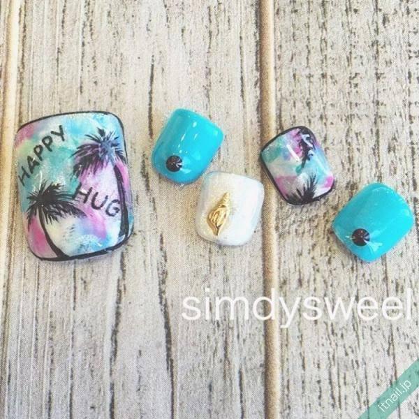ヒトデに貝殻、ヤシの木…マリンモチーフを使った夏ネイルが可愛い♡