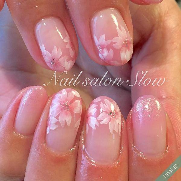 花よりネイル?お花見シーズンの桜カラーネイル特集