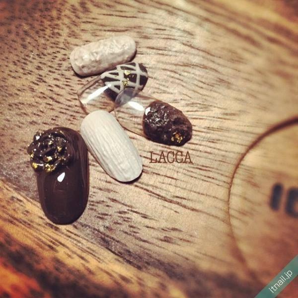 チョコレートのアート&カラーが大人可愛いネイル特集♡