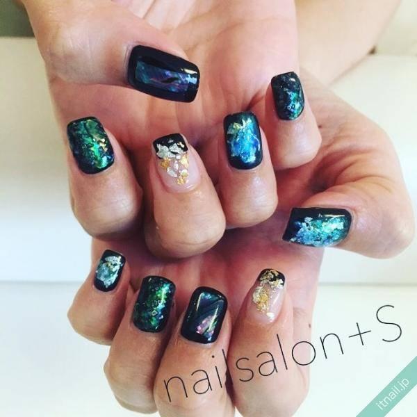 漆黒ネイル | 大人な雰囲気をつくるクールな指先はいかが?