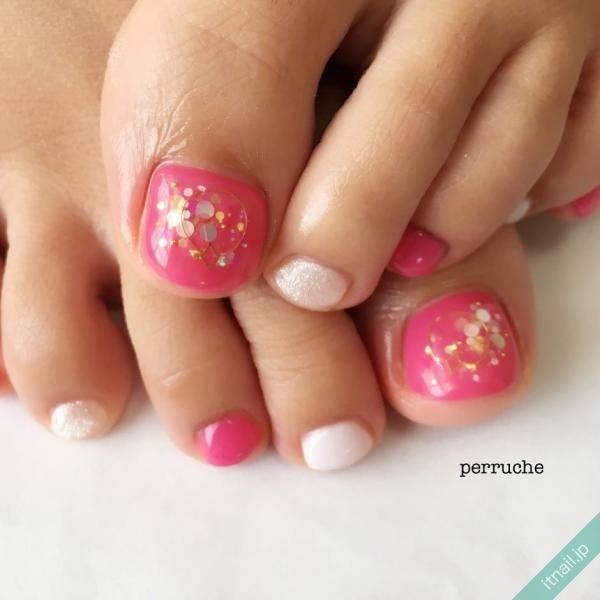 秋冬にあえてしたい!『ピンクのフットネイル』デザイン画像集