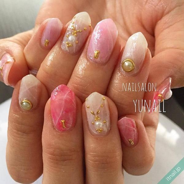 【 春夏の新色ネイル 】今年の流行カラーで指先を彩って♪