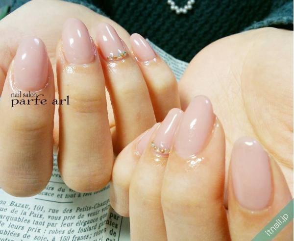 「指が綺麗」って思わせる。【ワンカラーネイル】の魅力を徹底解剖!