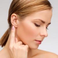 耳たぶニキビの原因と予防法