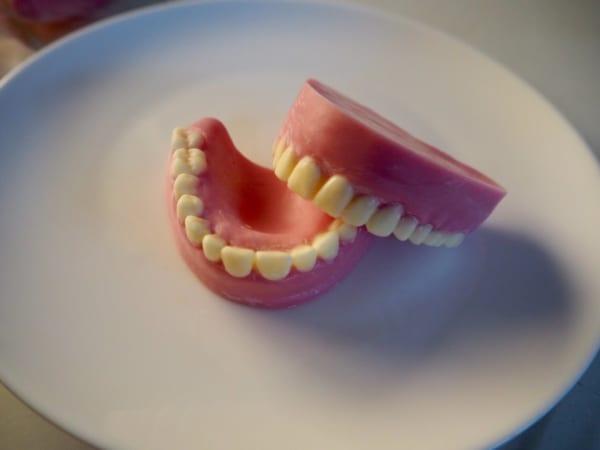 チョコ 歯茎
