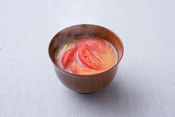 トマトと生姜のみそ汁