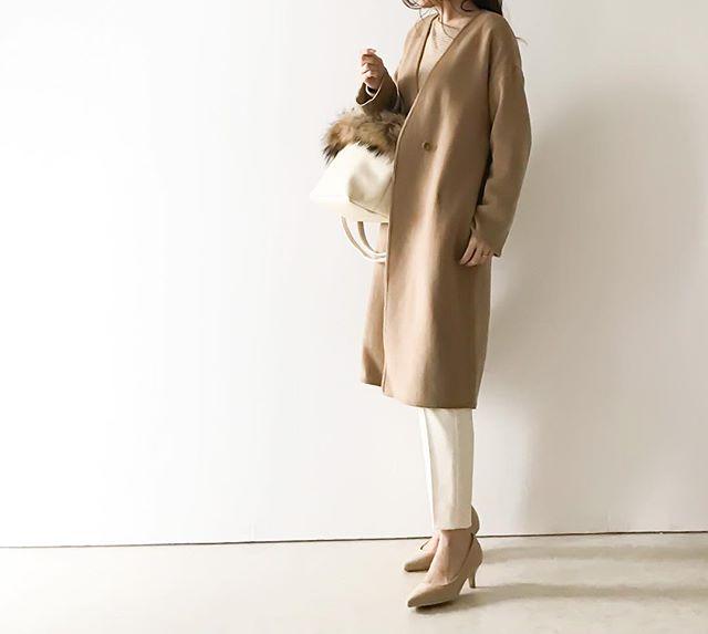 ユニクロのさらり羽織れる美コート、40代のオフィスコーデに使えすぎ!