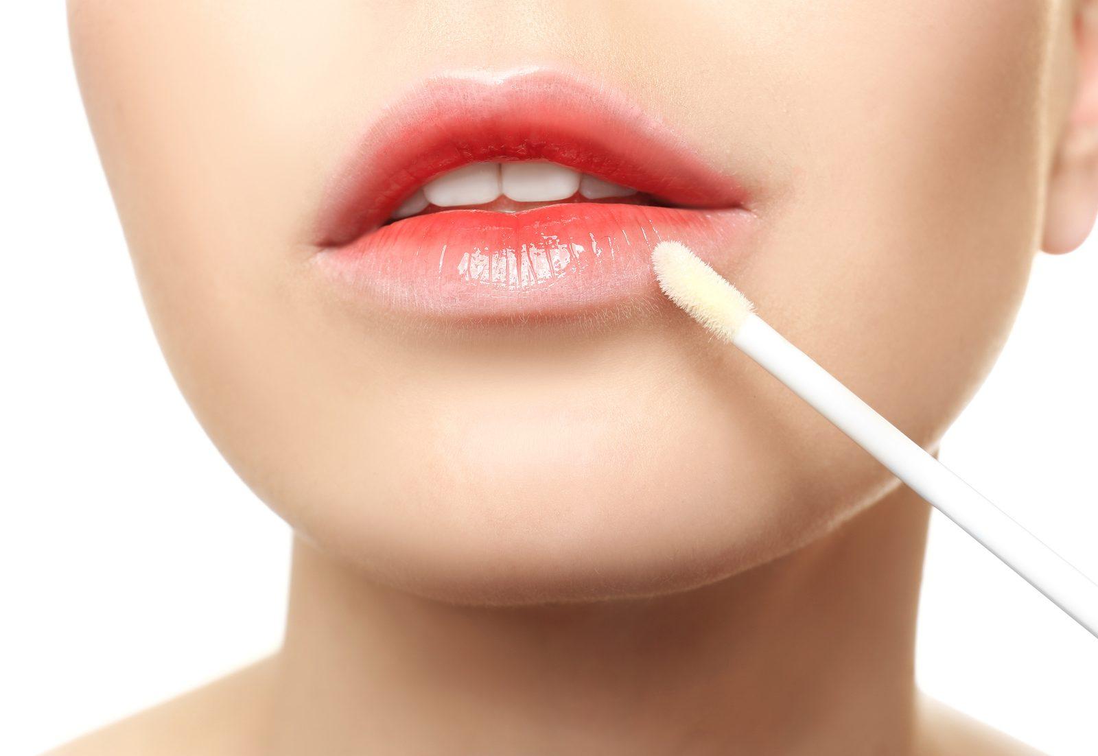 唇には年齢が出る!時短で「ぷるぷるリップ」を作る40代の潤いケア