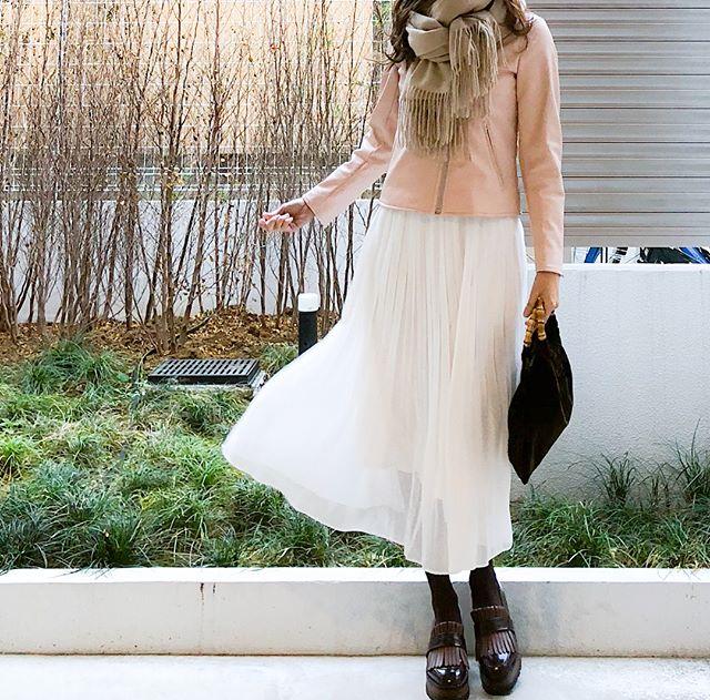 全身ユニクロでつくる桜色ファッション【40代の毎日コーデ】