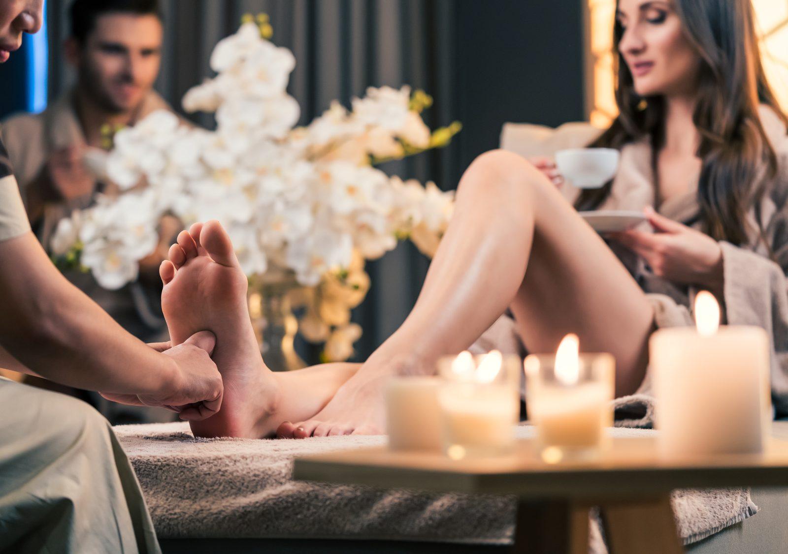40代女性の体は足裏で整える!老け防止にもなる足ツボが気持ちいい