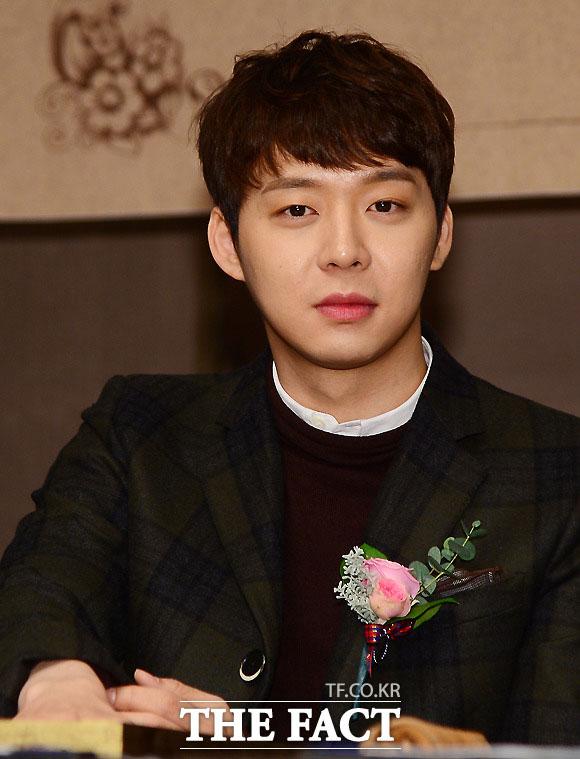 JYJのユチョンが結婚式の日取りを決めたと報道され、またもファンを驚かせている。