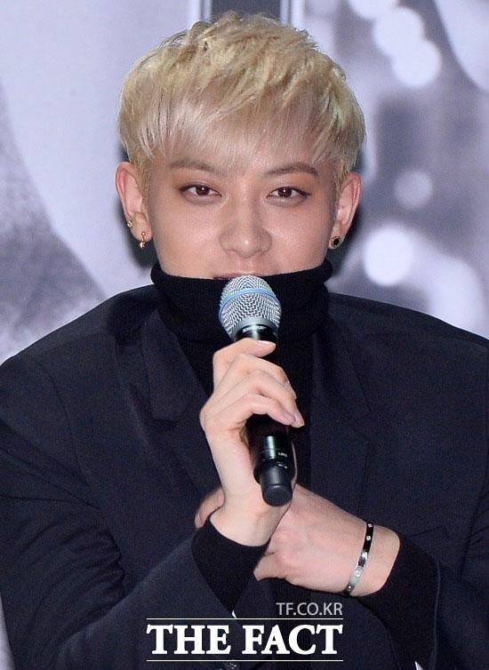 人気アイドルグループEXOから脱退したタオが、専属契約をめぐる裁判で敗訴した。
