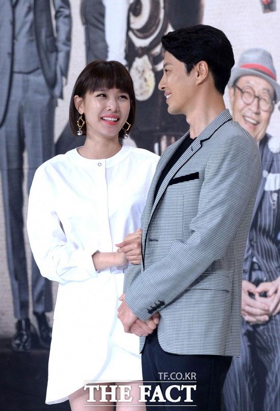 イ・ドンゴンとの結婚を発表した女優のチョ・ユニがラジオ番組で今の心境を語った。