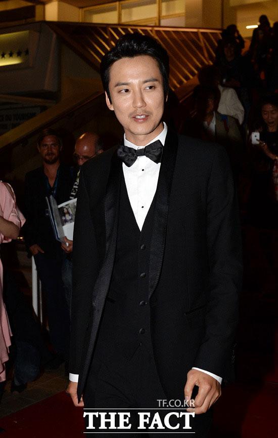 俳優のキム・ナムギルが映画「トッケビ」(仮題)への出演を検討中だ。