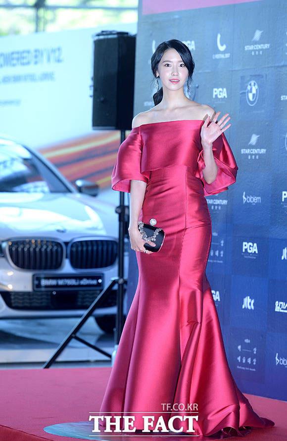 少女時代のユナが3日午後、ソウル・江南区で開かれた「第53回百想芸術大賞」に参加した。