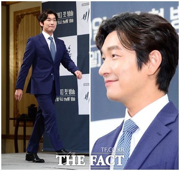 俳優のチョ・スンウが、tvN土日ドラマ「秘密の森」の制作発表会に出席。