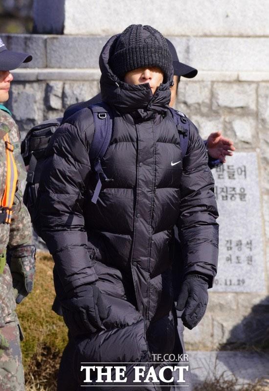 BIGBANGのT.O.Pが入隊前、大麻使用容疑で警察に摘発されたという報道が出た。