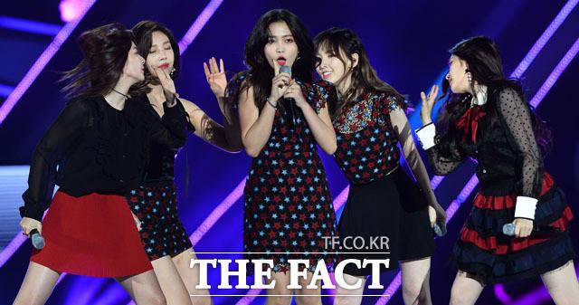 Red Velvetが3日午後、ソウル・ワールドカップ競技場で開催された2017 DREAM CONCERTに出演した。