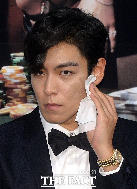 BIGBANGのT.O.Pが、最近極度のストレスで精神的に不安定な様子をみせていたと伝えられた。
