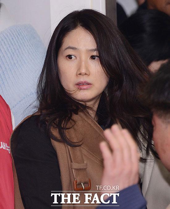 韓国芸能界を引退した、90年代のトップ女優シム・ウナが睡眠薬の大量服用で緊急入院した。