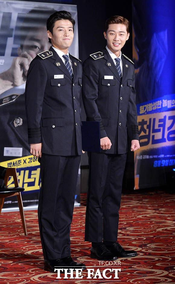 俳優のパク・ソジュンとカン・ハヌルが17日、ソウルで開かれた映画「青年警察」の制作発表会に出席した。